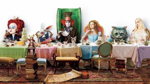 Навесні на екранах кінотеатрів з'явиться «Аліса в Задзеркаллі» (ВІДЕО, ФОТО)