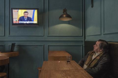 Зачаровані телебаченням: як дивляться телевізор у різних куточках світу (ФОТО)