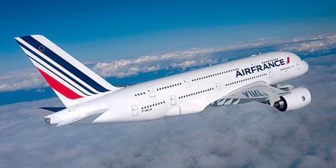 Літак Air France здійснив екстренну посадку в Канаді через загрозу теракту