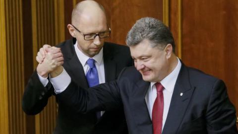 FT: Порошенко і Яценюк не здатні реформувати систему, бо самі є вихідцями з неї