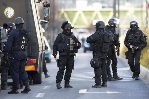 У Франції продовжено режим надзвичайного стану ще на 3 місяці