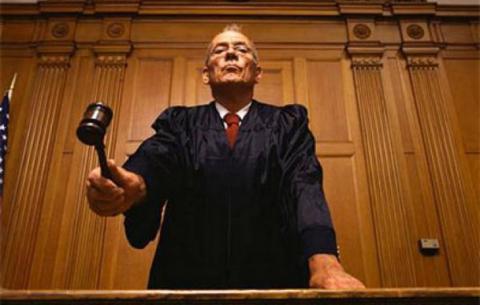 Стартувала повна переатестація суддів