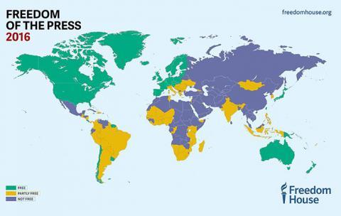 Близько 46% населення світу знаходиться у невільному медіа-середовищі
