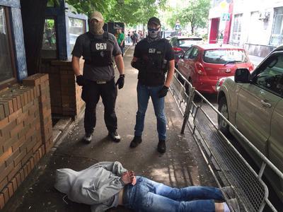 СБУ викрила на хабарництві інспектора столичного ГУ Державної фіскальної служби