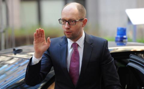 """В """"Народному фронті"""" припускають, що Яценюк у відпустці"""