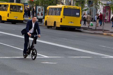 Кличко хоче зробити Київ зручним для велосипедистів