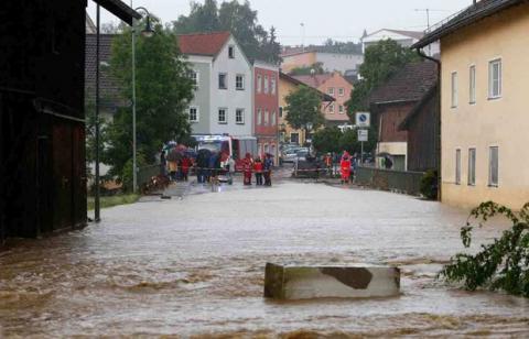 Францію та Німеччину продовжує заливати зливами
