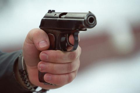 Чоловіку, який розстріляв дружину та її батьків, загрожує довічне ув'язнення