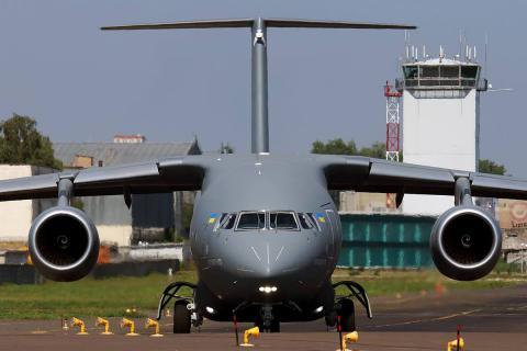 Азербайджан купить 10 Ан-178 в України