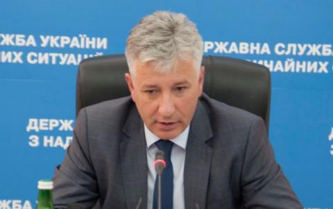 У Києві в нежитловій будівлі сталося обвалення конструкцій (ВІДЕО)