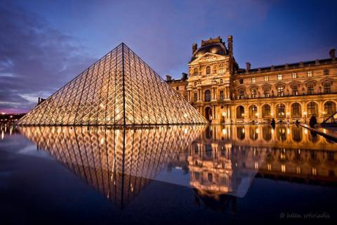 У Парижі знову відкрились музеї Лувр та д'Орсе