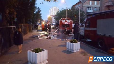 У Києві горіла будівля суду