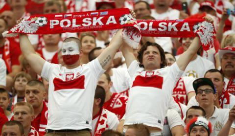 У Марселі відбулася сутичка фанатів збірних Польщі та України