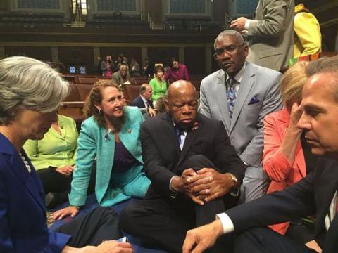 Демократи влаштували сидячий страйк в конгресі США