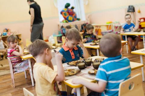 У Львові батьків просять повідомляти в міськраду про хабарі в дитсадках