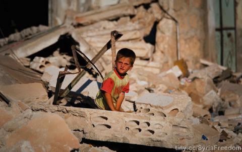 В Сирії дістали з-під завалів тіла 25 дітей