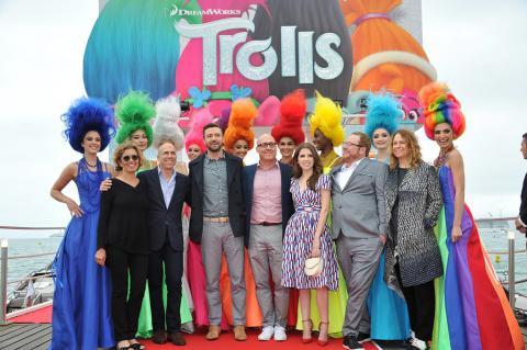 Творці «Шрека» зробили найзухвалішу анімаційну комедію року – «Тролі» (ВІДЕО)