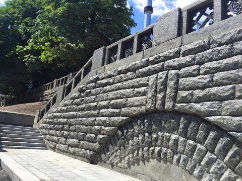Сходи до фундаментів Десятинної церкви у Києві відремонтовано
