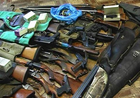 ГПУ знайшла на базі полку «Дніпро-1» рекордну кількість нелегальної зброї