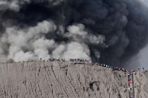 В Індонезії закрили аеропорт через виверження вулкану