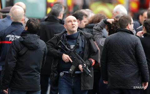 Надзвичайний стан у Франції продовжили на півроку