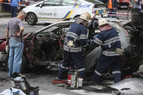 Павло Шеремет у перші хвилини після підриву автомобіля ще був живий (ФОТО ВІДЕО)