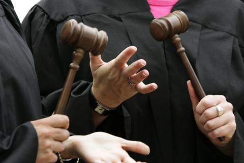 За законом про люстрацію не звільнили жодного суддю
