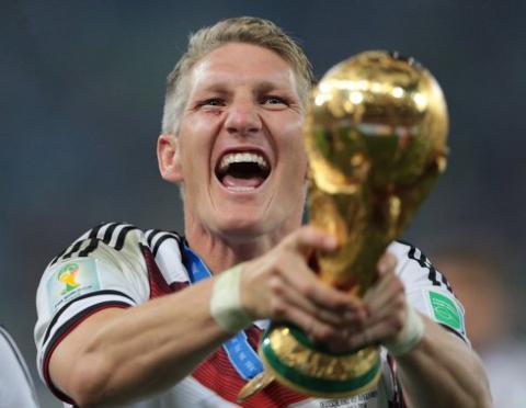 Найтитулованіший гравець німецької футбольної збірної завершив кар'єру