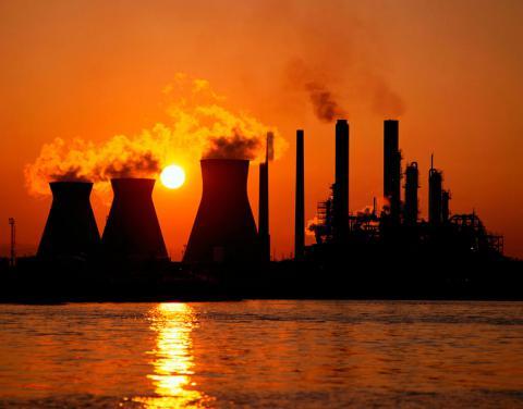 Промислове виробництво в Україні падає