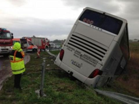 Автобус з українцями потрапив в аварію в Румунії
