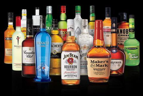 В уряді вважають, що в Україні надто дешевий алкоголь