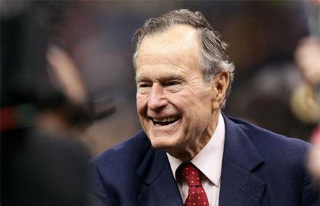 Джордж Буш-старший віддасть голос на виборах за Клінтон