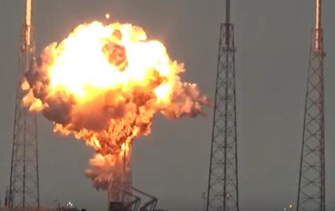 Falcon 9 вибухнула під час запуску двигунів (ВІДЕО)