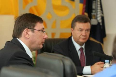 Екс-президент України звинуватив генпрокурора в дрібному хуліганстві і образах (ВІДЕО)
