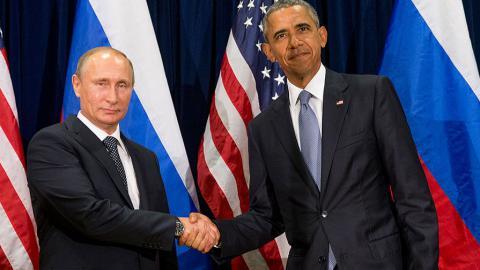 Обама та Путін потиснули руки в Китаї