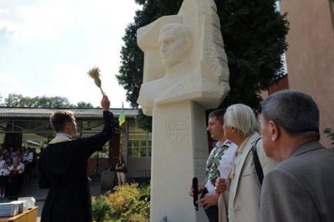 Львові відкрили пам'ятник Василю Стусу