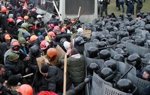 МВС приховує імена правоохоронців, нагороджених під час Майдану