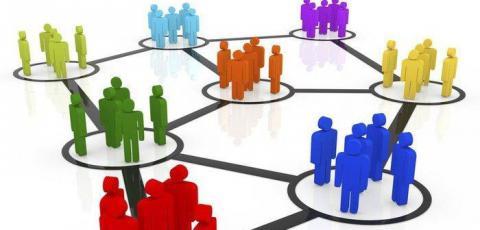 Гройсман звітує про об'єднання громад