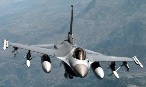 Пілот винищувача F-16 ВПС США був врятований системою автопілота після втрати свідомісті