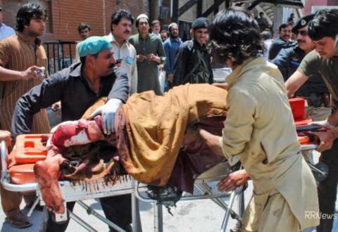 Щонайменше 16 людей загинули внаслідок нападу смертника на мечеть в Пакистані