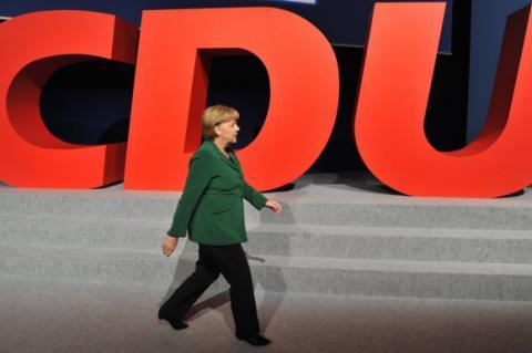 Партія Меркель провалила вибори в Берліні