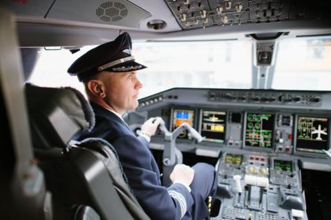 Літак рейсу Пекін-Москва висадив буйного пасажира на середині шляху