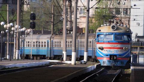 """""""Укрзалізниця"""" призначила додаткові поїзди на свята"""