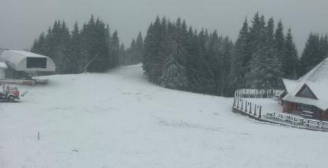 Захід України почало засипати снігом (ВІДЕО)