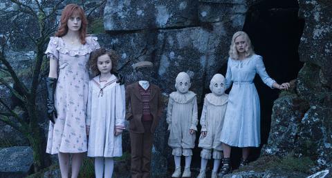 «Дім дивних дітей міс Сапсан»: геніальна химерність Бертона