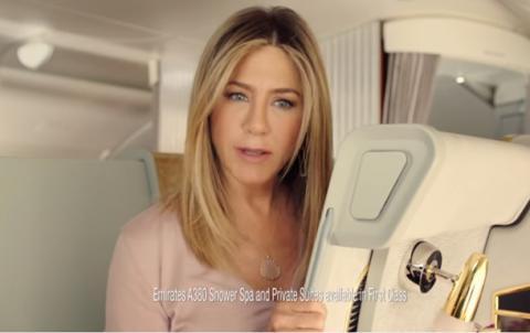 Дженніфер Еністон знялася в рекламі Emirates (ВІДЕО)