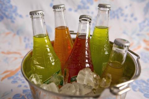 Низка країн запровадили податок на солодкі безалкогольні напої