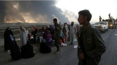 Перші 900 людей покинули Мосул та перетнули кордон із Сирією