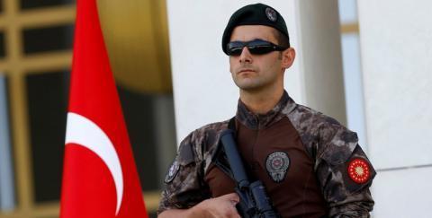 В Туреччині вибухнув автомобіль біля урядової будівлі