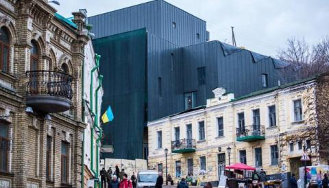 «Крематорій» на Подолі: ніхто не несе відповідальності. Крім архітектора?